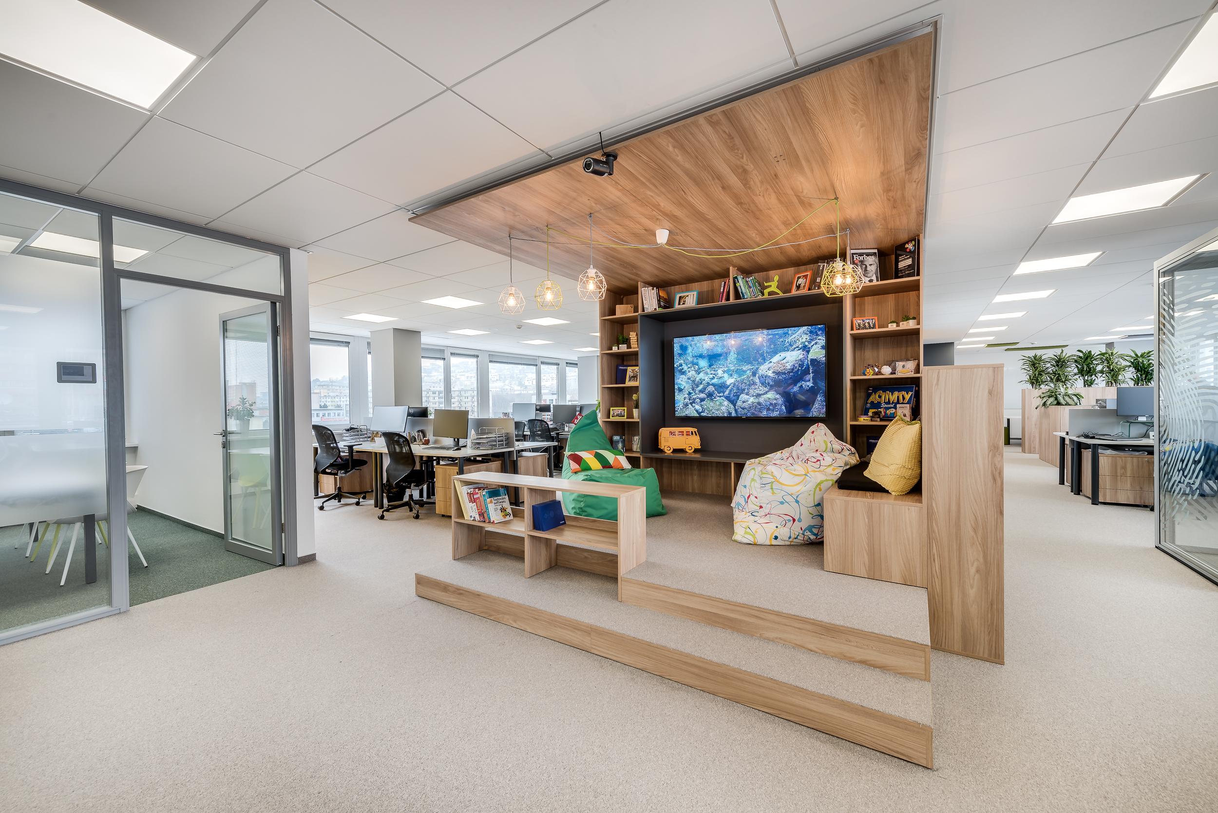 TopRealSK – Ponúkame na prenájom moderné kancelárske priestory vo výbornej lokalite – Jarošova Office centre Bratislava